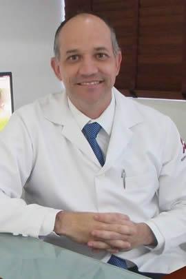 Dr. Ricardo Tavares Angiologista